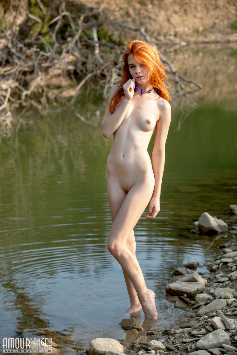 Zdjęcie porno - 04 15 - Ruda i blada ślicznotka