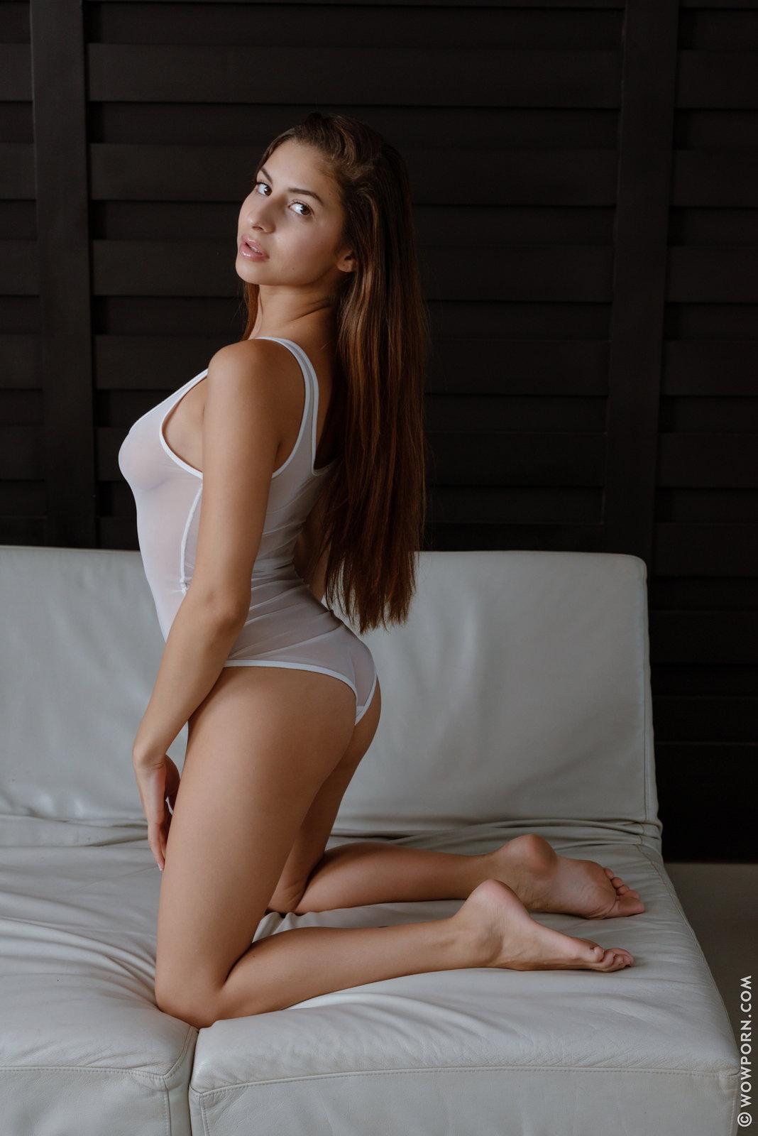 Zdjęcie porno - 104 - Bruneta z pięknymi oczkami