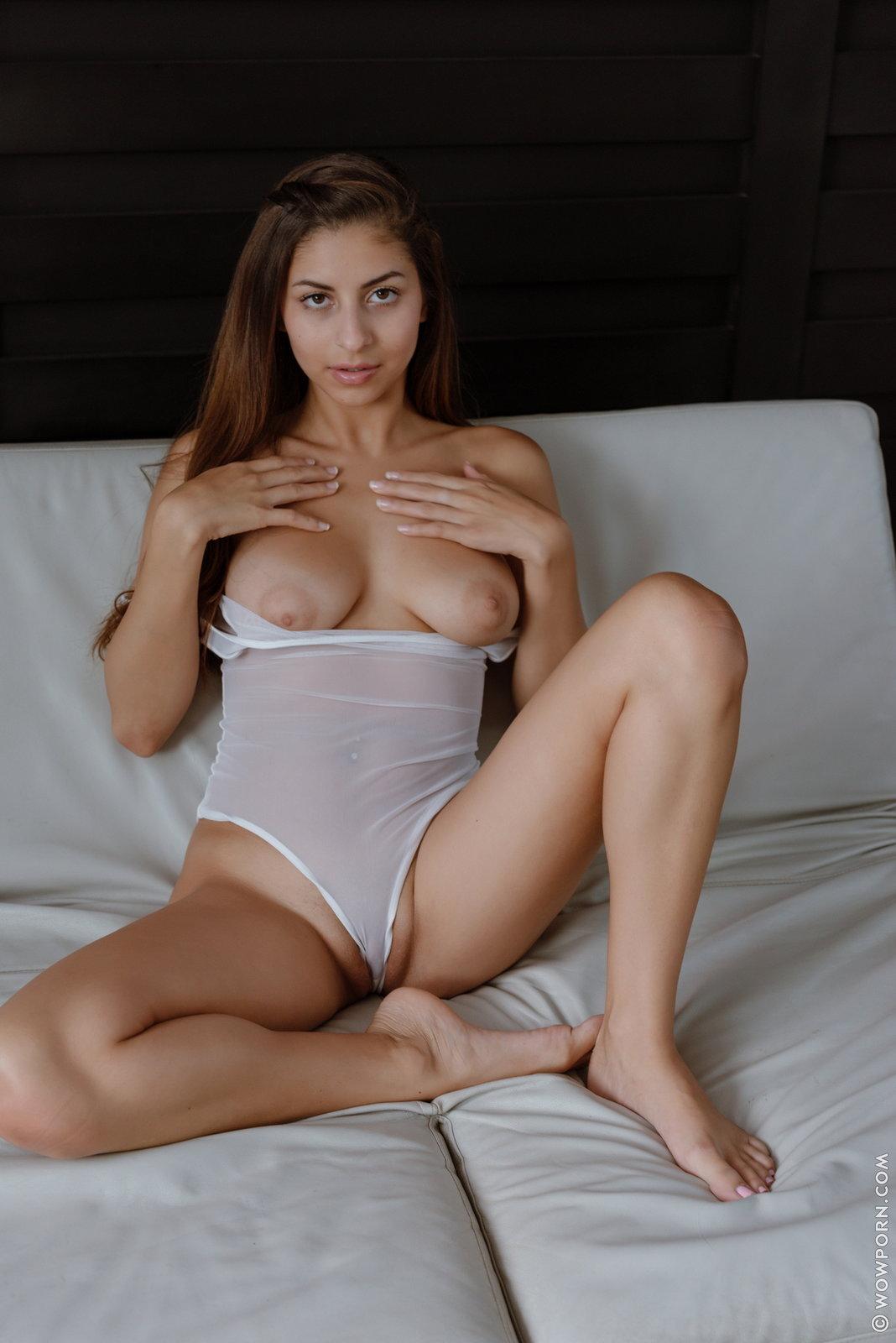 Zdjęcie porno - 122 - Bruneta z pięknymi oczkami