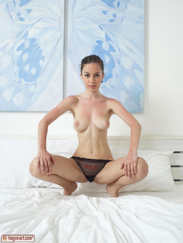 Zdjęcie porno - 134 - Zgrabna i młoda modelka
