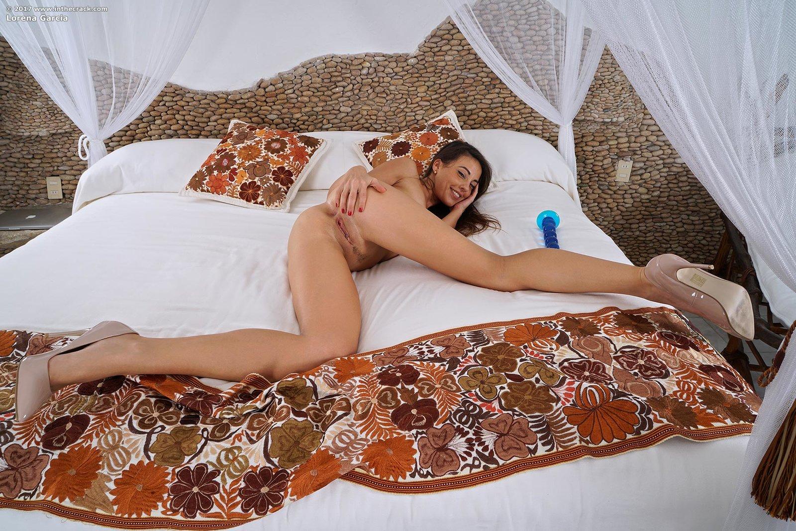 Zdjęcie porno - 121 - Zgrabna w wysokich obcasach