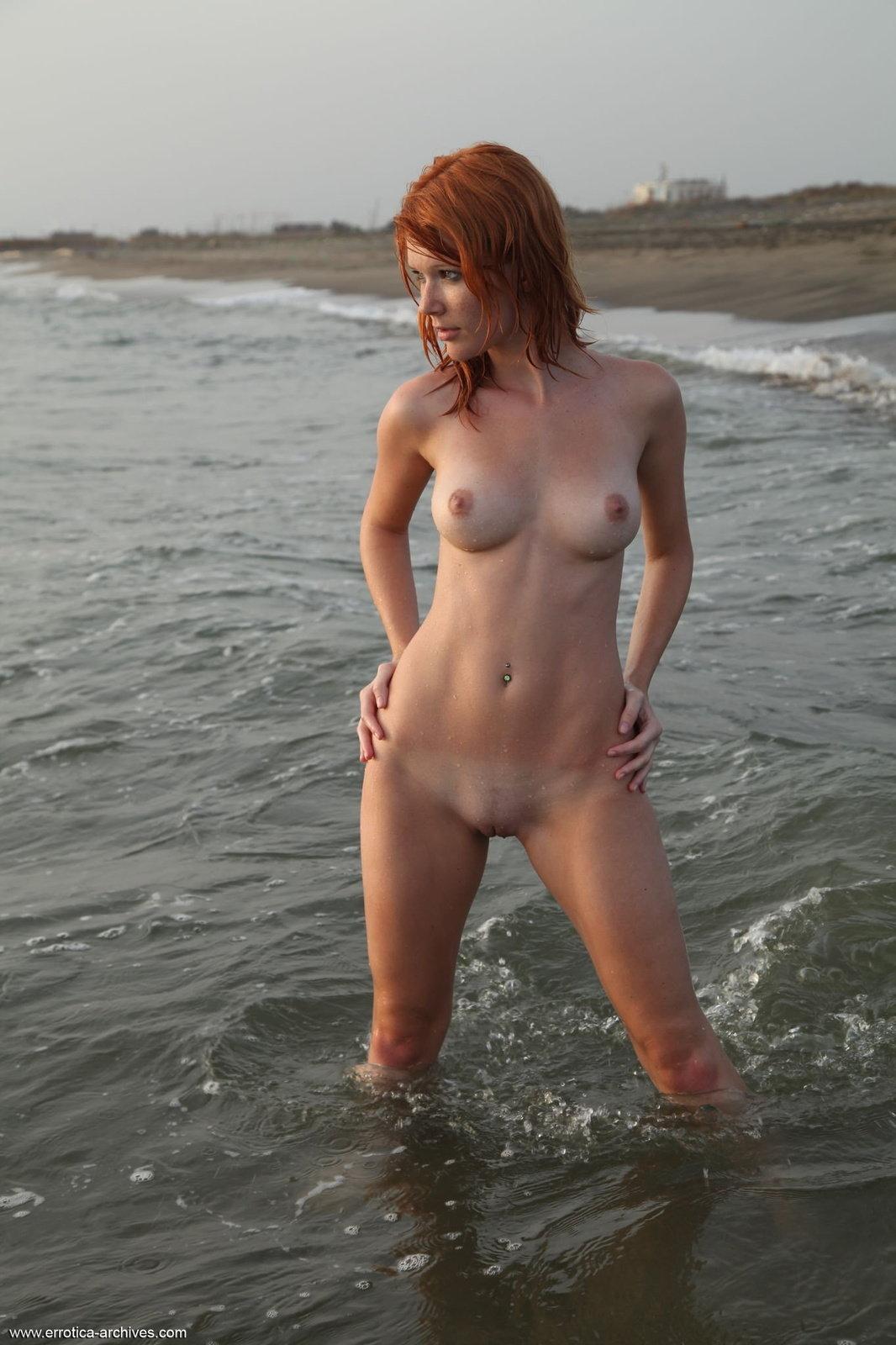 Zdjęcie porno - 134 - Tyłeczek w piasku