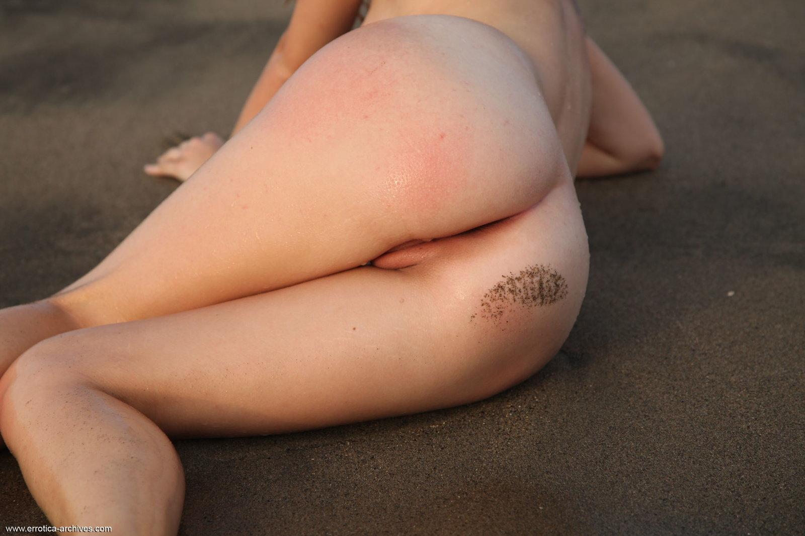 Zdjęcie porno - 152 - Tyłeczek w piasku