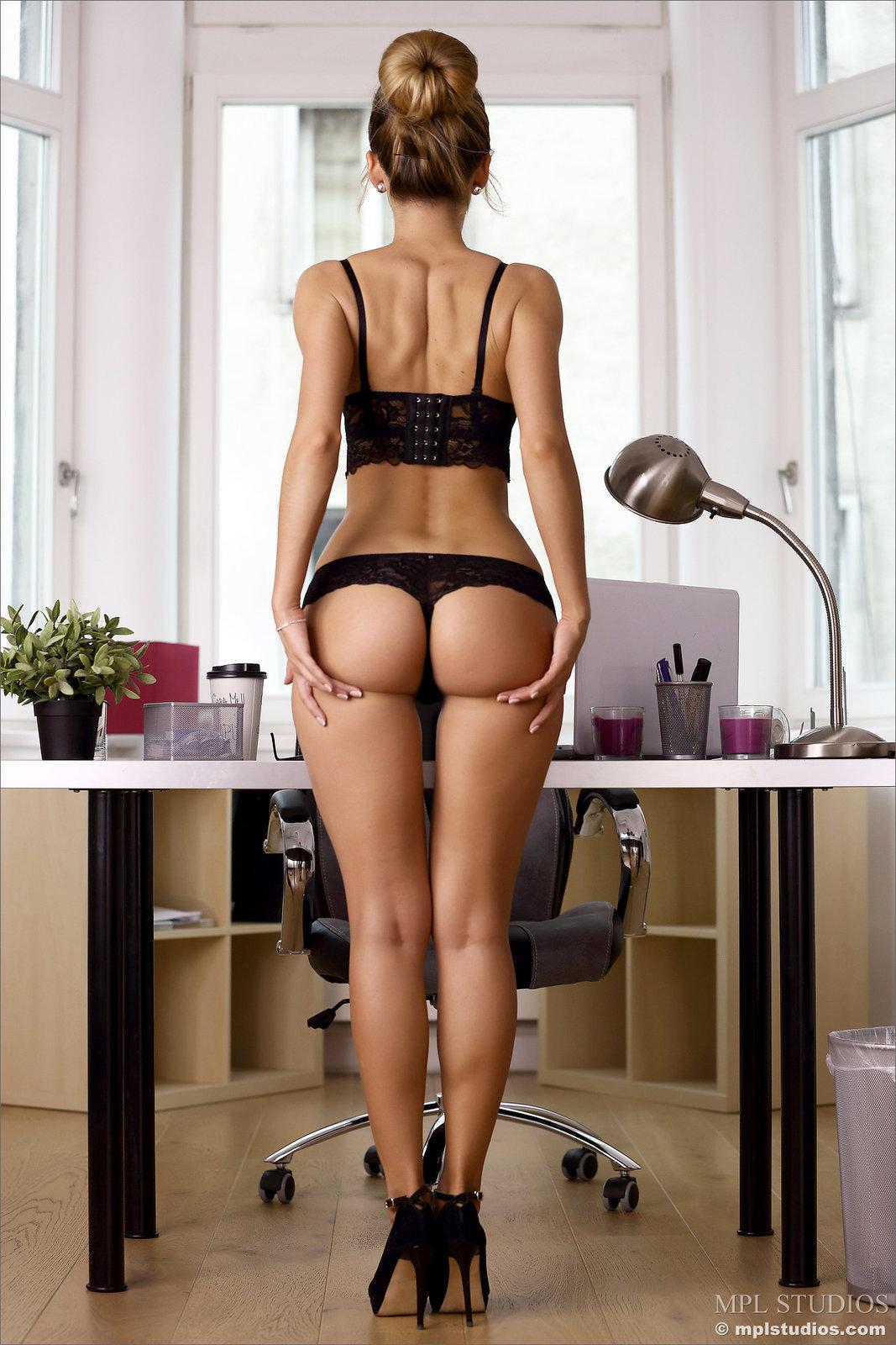 Zdjęcie porno - 1019 - Seksowna sekretarka