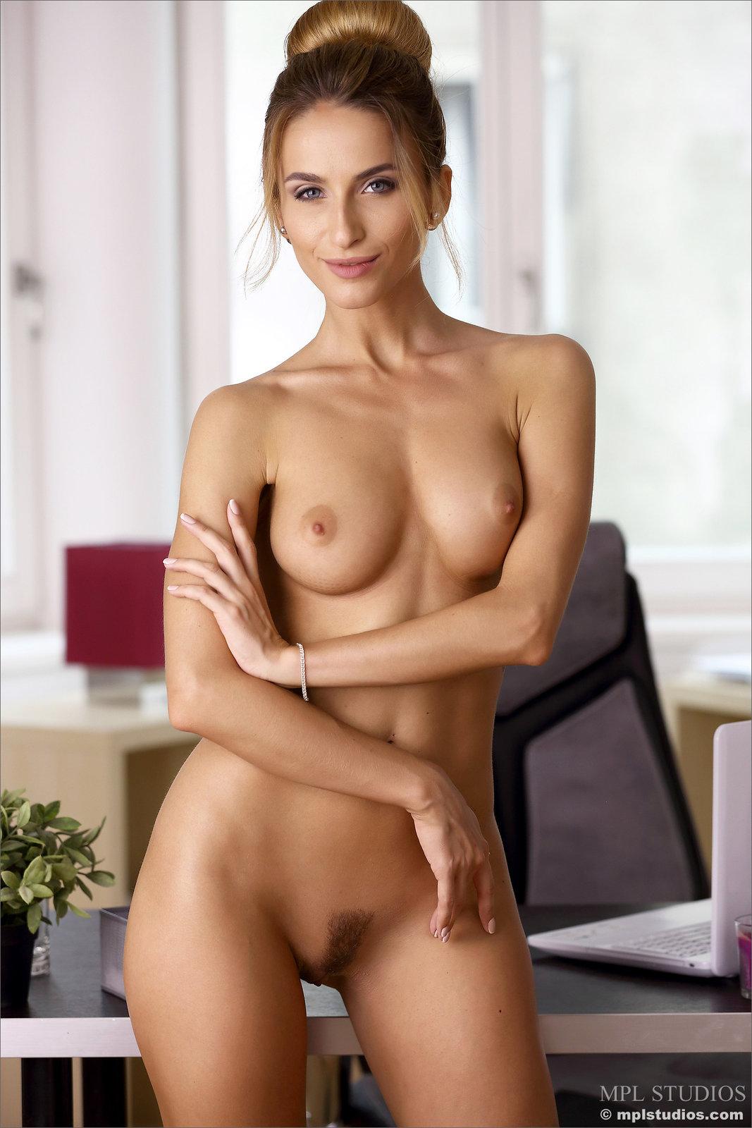 Zdjęcie porno - 1213 - Seksowna sekretarka