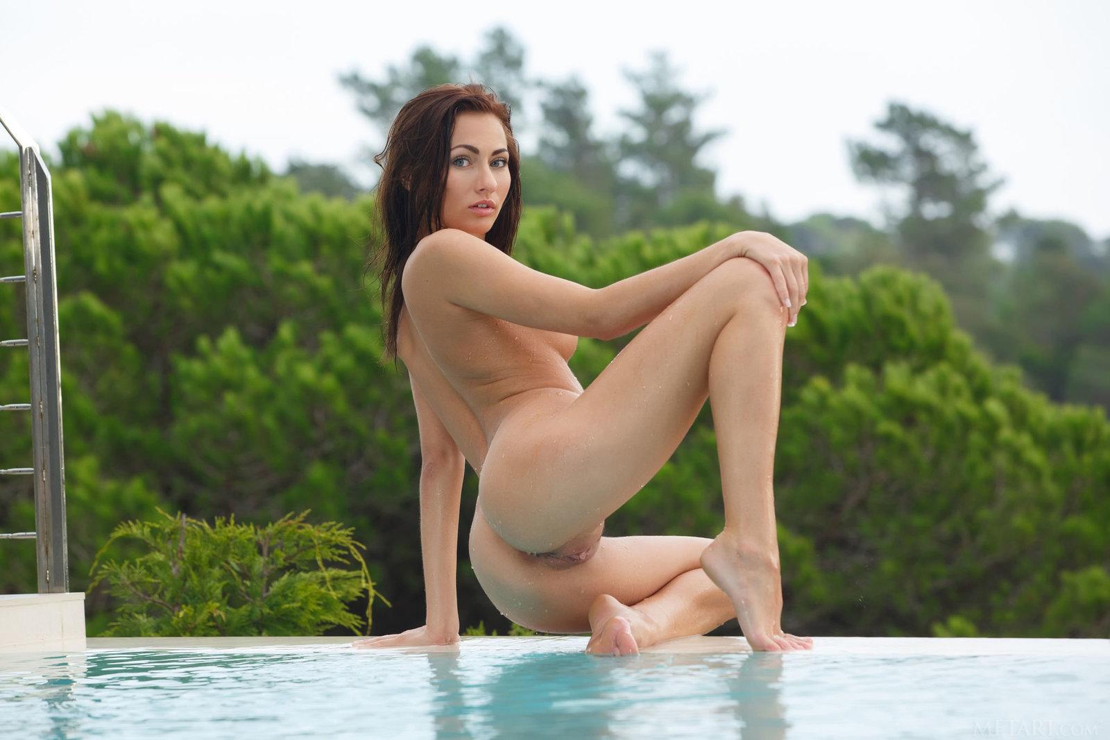 Zdjęcie porno - 13 - Striptiz przy basenie