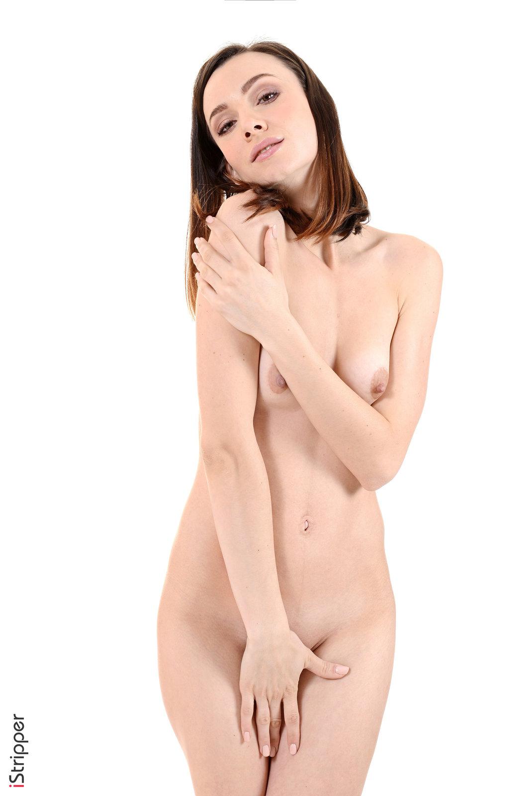 Zdjęcie porno - 135 - Zgrabna laska zdejmuje spódniczkę