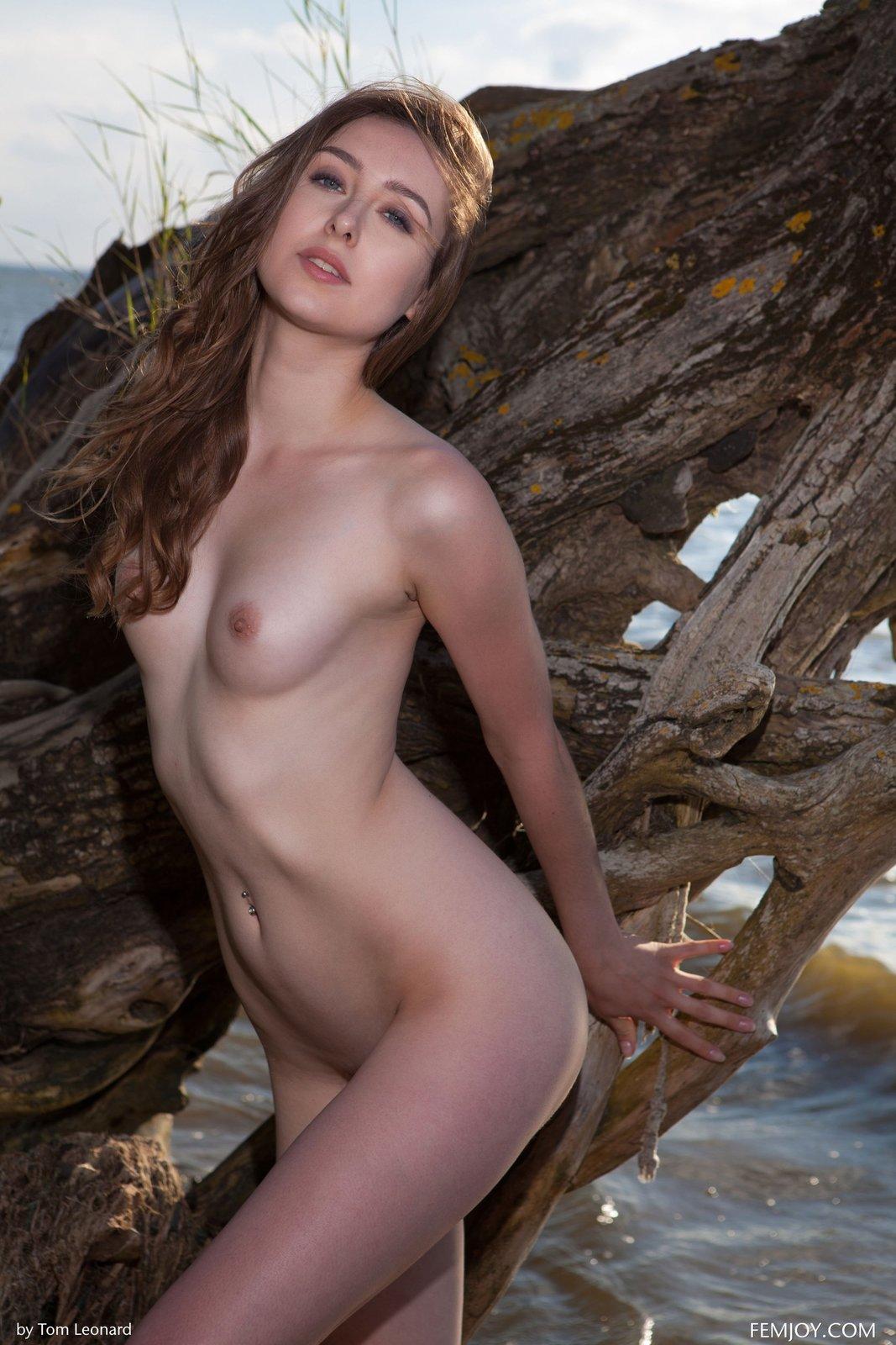 Zdjęcie porno - 12 1 - Zgrabna laska na plaży