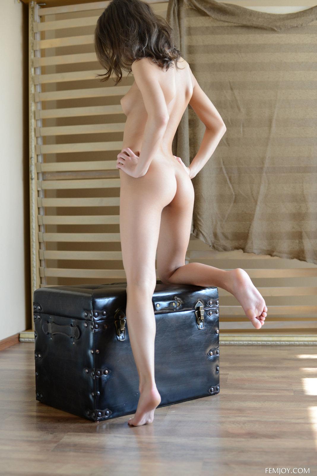 Zdjęcie porno - 15 3 - W czerwonej bieliźnie