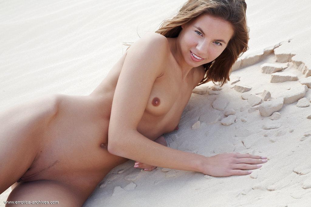 Zdjęcie porno - 05 4 - Ślicznotka na pustyni
