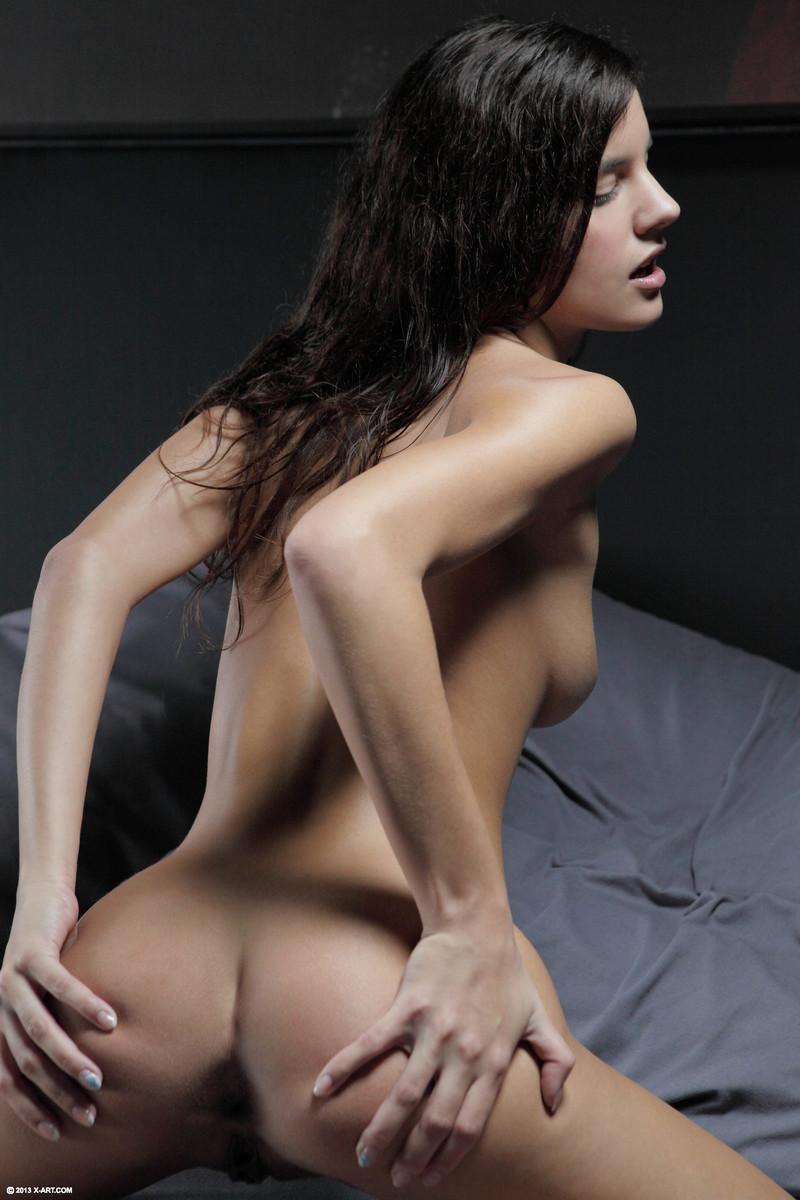 Zdjęcie porno - 09 4 - Mała i naga modelka