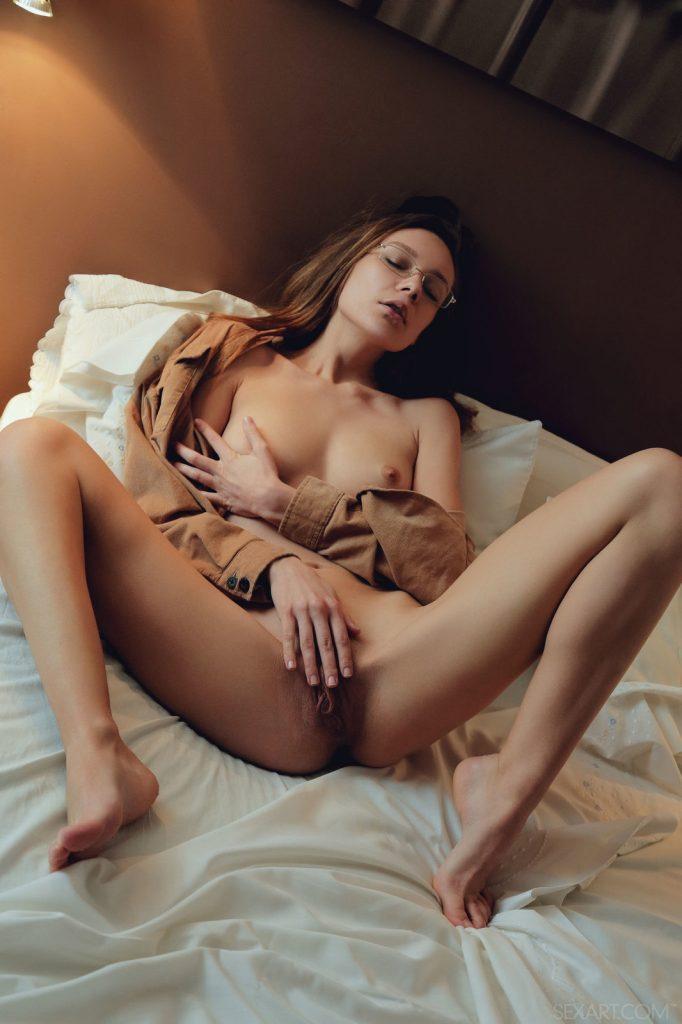 Zdjęcie porno - 02 1 682x1024 - Zmysłowa masturbacja