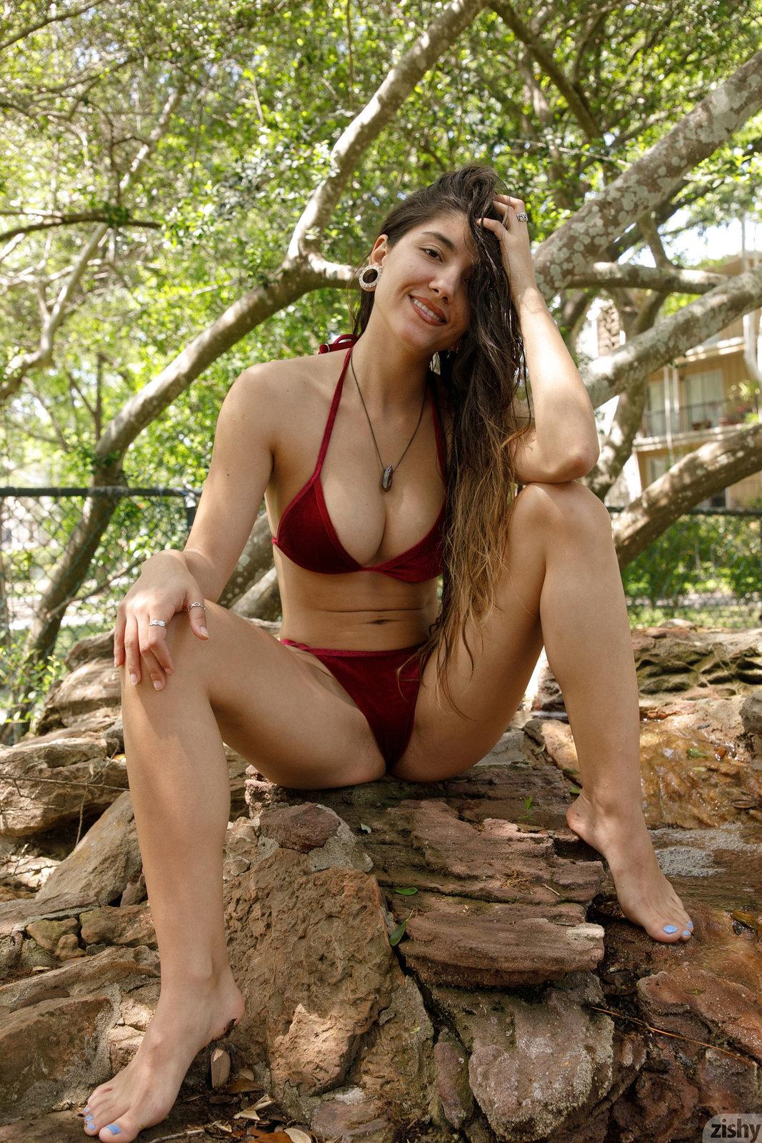 Zdjęcie porno - 08 6 - Ślicznotka w bikini
