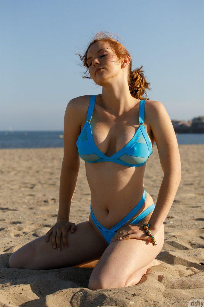 Zdjęcie porno - 05 5 683x1024 - Ślicznotka w bikini