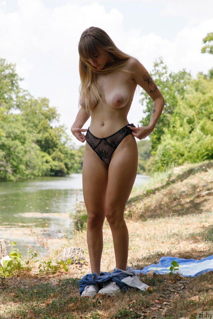 Zdjęcie porno - angel youngs zishy pics 11 683x1024 - Naturalna łania