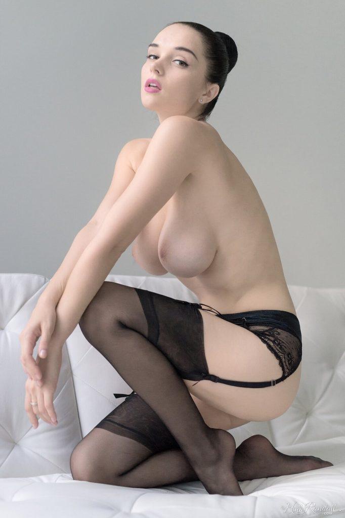 Zdjęcie porno - 04 2 682x1024 - Naturalna brunetka