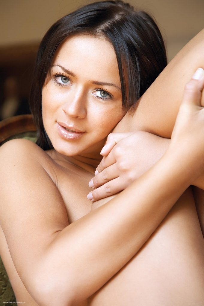 Zdjęcie porno - 10936411 014 df46 681x1024 - Piękna brunetka